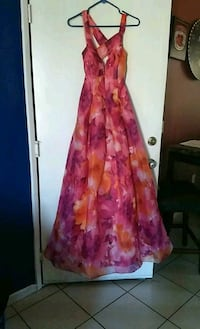 women's pink and purple floral sleeveless dress Calexico, 92231