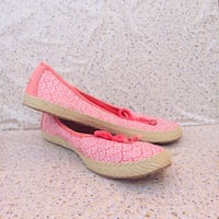 New! Bright Pink Ladies UGG Slip-on Shoes