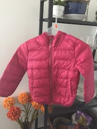 Light weight down jacket for 5-7 year old like new Coquitlam, V3E 1T9