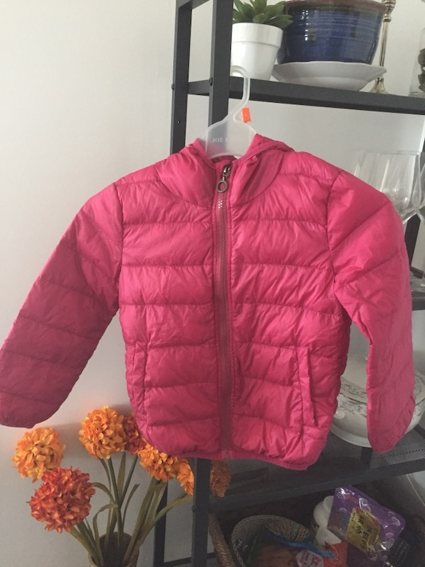 Light weight down jacket for 5-7 year old like new