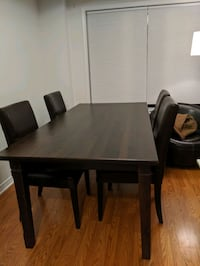 Dining table and 4 chairs Toronto, M4M 2S9