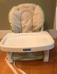 baby's white and green Chicco high chair Framingham, 01701