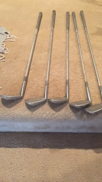 5 stainless steel golf clubs Augusta, 67133