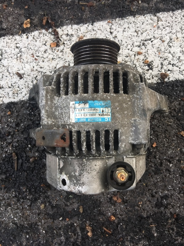 Toyota alternator not new but in good working condition  100 OBO