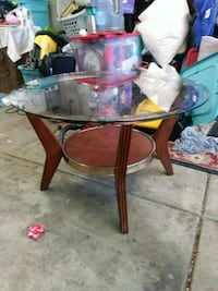 small round coffee table Bakersfield, 93311