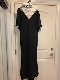 Evening dress size 10  Langley, V3A 3X4