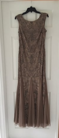 Adrianna Papell Beaded Gown Hamilton, L9G