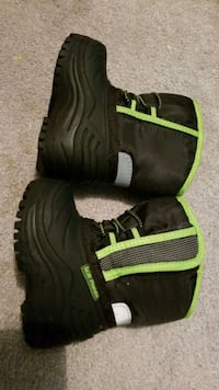 Size 3 baby baby winter boots Mississauga, L4T 2V6