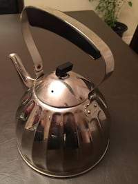 2 beautiful sliver and black kettle for tea or coffee Montreal, H1J 1G2