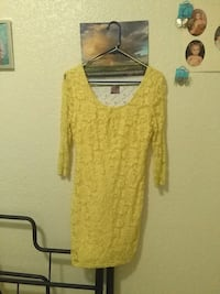 Yellow size medium n womens