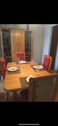 Solid oak table with 4 chairs and standing unit Montréal, H3X 4B2
