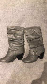 Grey boots - size 7 1/2 London, N6A 1W1