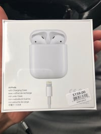 AirPods  Chicago, 60607