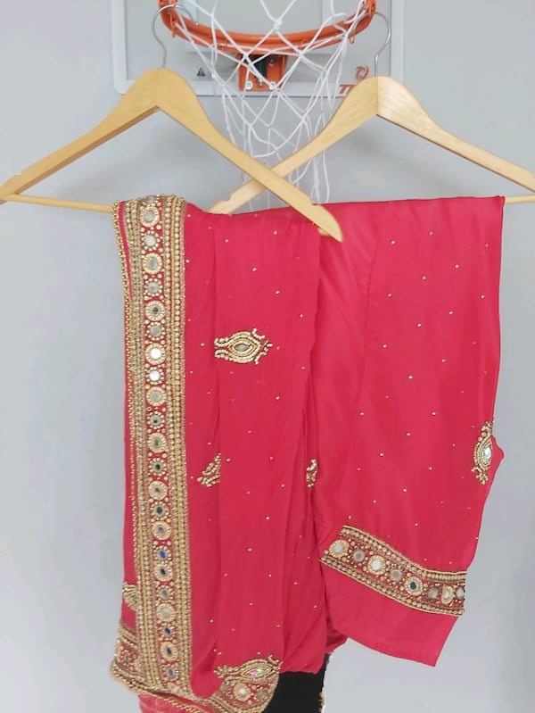 Indian party suit 34a77fd9-7175-4214-adeb-ca0906c32b70