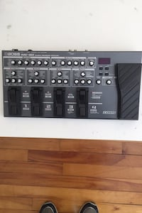Boss ME 80 Effects board New condition. Only used to record in studio.