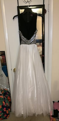 Black/White Formal Dress 53 km