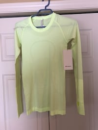 New lululemon top Edmonton, T5T 6V3