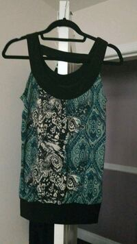 women's green and white floral tank top New Westminster, V3M 5J6
