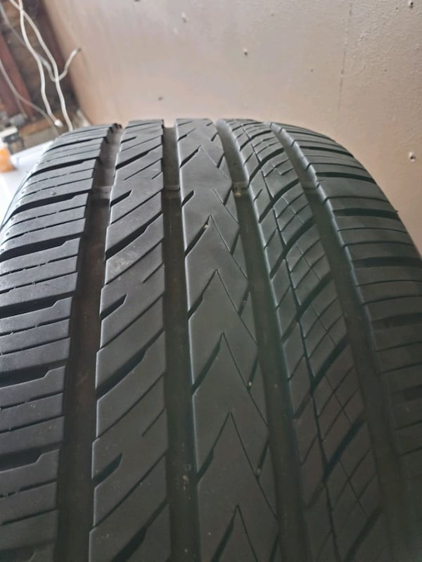 All season tires set  (Phone number hidden by letgo) % good 475a8608-1c89-487b-b047-9e105d1fd371