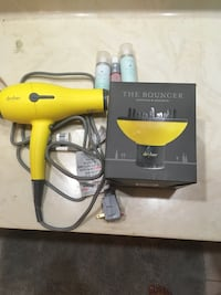 Drybar Buttercup Blowdryer w/ diffuser and accessories  Sugar Land, 77478