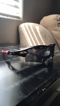 Vintage live strong Oakley's great condition Bakersfield, 93314