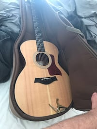 2015 Taylor 11 4e Guitar Trés bon condition Voula, 16673