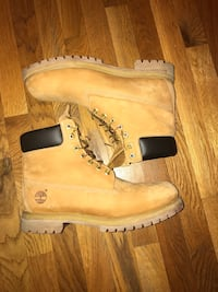 pair of brown Timberland work boots Mc Lean, 22101
