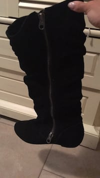 pair of black suede knee-high heeled boots Burnaby, V5A 2L9