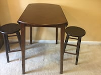 Wood table and wood stools, used good, from smoke and pet free home  Leesburg, 20176