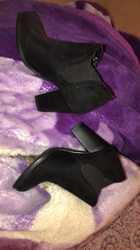 Heel boots used once $15 Calgary, T2Z 2T4