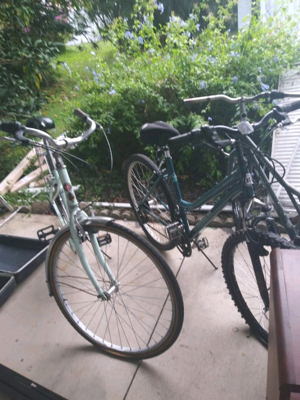 8dc5b655906 Used Bicycle each don't know anything about it selling for sale in  Greenacres - letgo