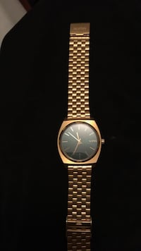 Watch Nixon Men's Gold Good Condition Watch Dartmouth, B2W 2H4