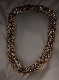 """20"""" 18k gold chain with authenticity papers  3724 km"""