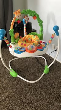 Baby's white and green jumperoo Altadena, 91001