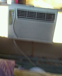 Air conditioner works gteat nothing wromg  934 mi