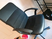 Office chair barely used and needs to go asap Calgary, T2P 5J4