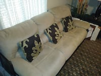 Couch (power recliner) Panama City Beach, 32407