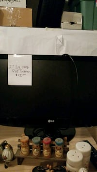 "LG 21"" flat screen TV  Ravenna, 44266"