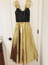 Beautiful gold and black sparkly gown size S Santa Clara, 95051