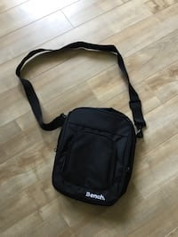 New Crossbody Bag retailed for 59.99 Halifax, B3M 2P5