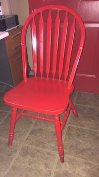 Red wooden windsor chair Hialeah, 33015
