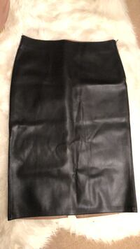 Zara leather pencil skirt with side zip Vancouver, V6A 3L5