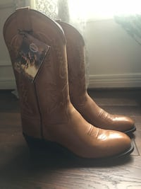 Tan leather cowboy boots Louisville, 40222