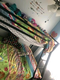 Bunk bed twin/full bought in June 18 42 km