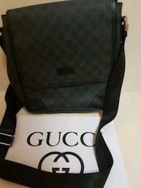 Authentic Gucci messenger bag  Whitby, L1N 8X2