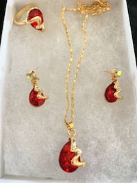 FASHION 18K GOLD PLATED AUSTRIAN CRYSTAL SET.  NECKLACE PENDANT + EARRINGS + RING Sparks, 89441