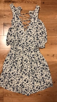 White and blue floral romper XS Coquitlam, V3K 3L4