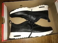 Black leather Nike air max women's size 7 Toronto, M2N 7K2