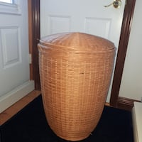Wicker basket. Can be use as a Laundry Hamper Montréal