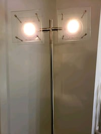 Floor Lamp (Dual Halogen Head)  Dimmable!